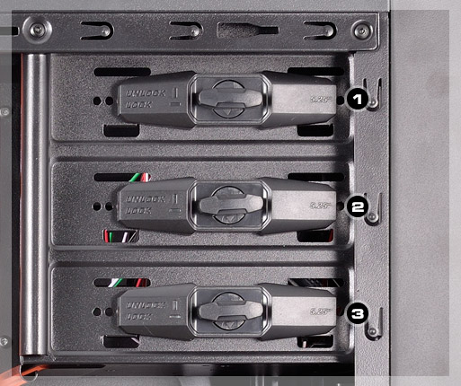 MX310 - Screw-less drive bays for 5.25
